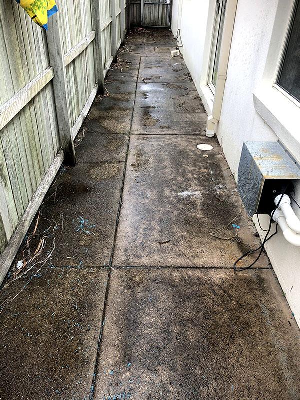 Pressure Washing Around Homes Before